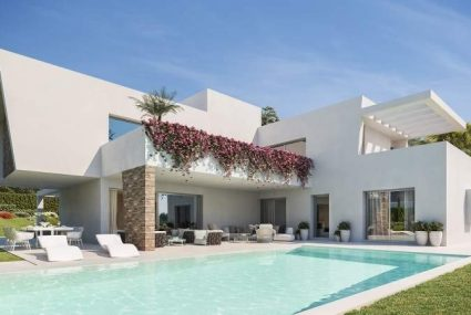 New Golden Mile villa for sale