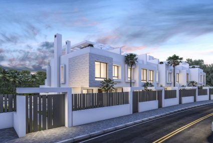 New Golden Mile townhouse till salu