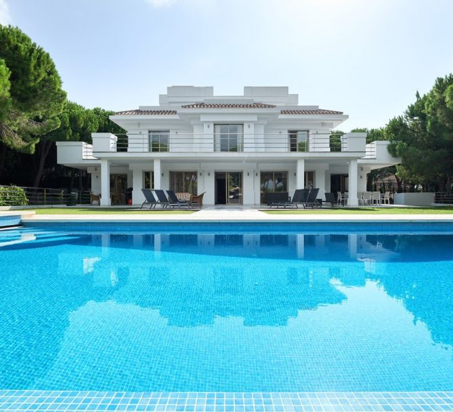 Las Chapas villa for sale