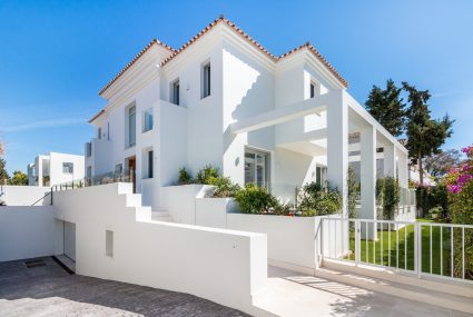 Cortijo Blanco villa for sale