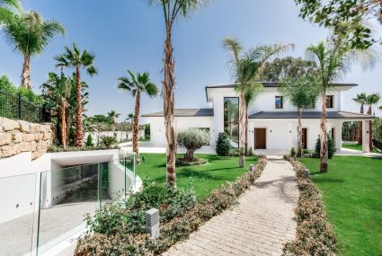 Nueva Andalucia villa for sale